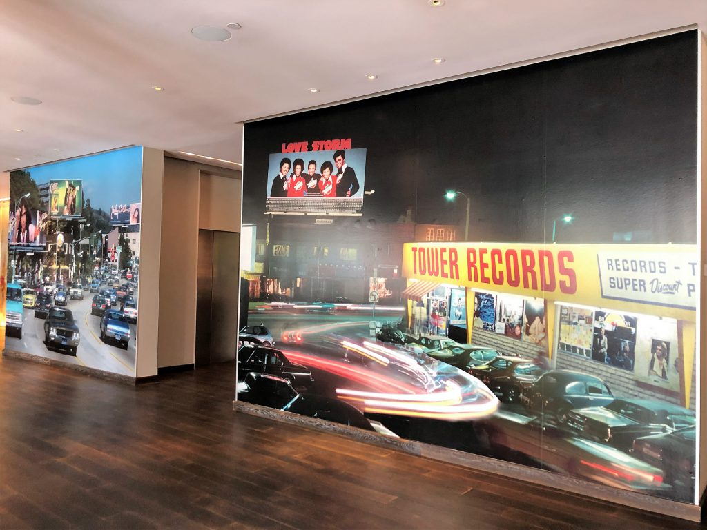 Foto da Tower Records no lobby do Andaz West Hollywood